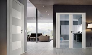 Красота в деталях: межкомнатные двери со стеклом